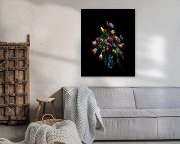Vase mit Frühlingsblumen. von Marion Lemmen