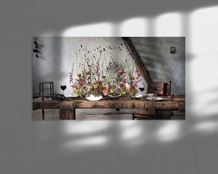 Sfeerimpressie: Tafel decoratie in oude schuur. van Marion Lemmen