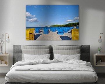 blauwe en gele strandstoelen in Binz van GH Foto & Artdesign