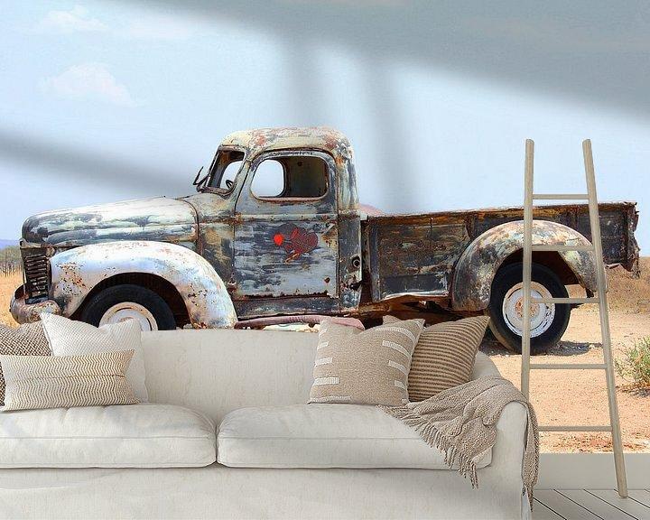 Sfeerimpressie behang: Oude pick-up van Inge Hogenbijl