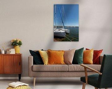 Segelyacht im Hafen Bregge, Rügen von GH Foto & Artdesign