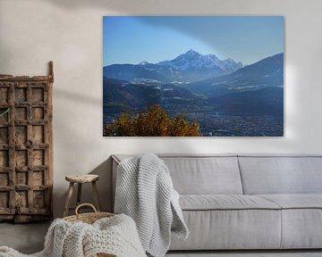Blick auf Innsbruck und die Serles im Herbst (Tirol, Österreich) von Kelly Alblas