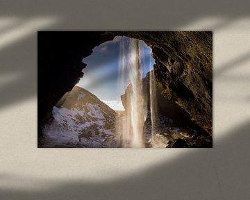 Isländischer Wasserfall von Leon Eikenaar