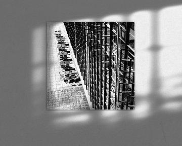 Terrasse auf der Rückseite der Bauhaus Schule Dessau von Raymond Wijngaard