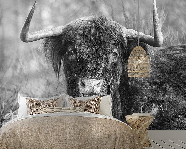 Sfeerimpressie behang: Schotse Hooglander, Zwart/Wit 1:1 Vierkant van Rob van Dongen