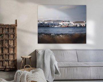 Zonsopgang over Mykonos stad van Tes Kuilboer