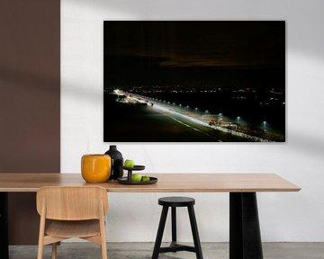 Lichtweg in de avond   (Hoogland, Amersfoort) van Julius Koster