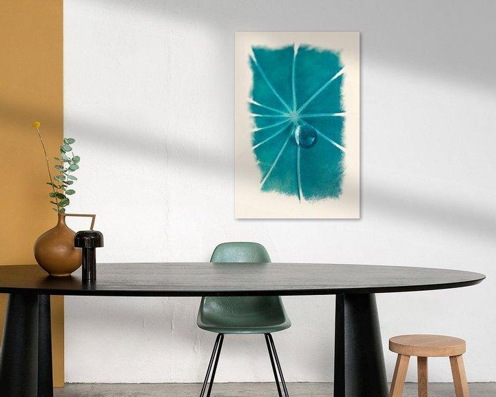 Sfeerimpressie: Dauwdruppel op blad van Tot Kijk Fotografie: natuur aan de muur