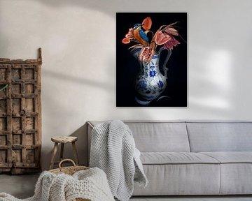 Tulpen mit Vogel - Delfter Blau von OEVER.ART