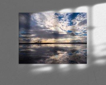 Spiegeln am Strand. von suuspixs