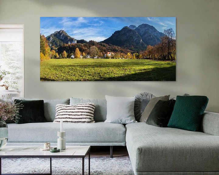 Sfeerimpressie: Kasteel Neuschwanstein met bergpanorama van Frank Herrmann