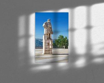 Coimbra: Standbeeld D. João III van Berthold Werner