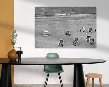 Strandkörbe in schwarz weiß von Bianca Grüneberg