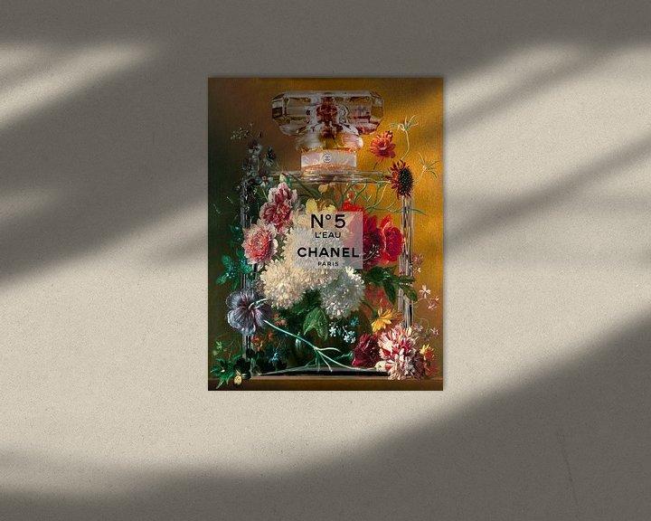 Beispiel: Stillleben mit Blumen in einer Parfümflasche von Dennisart Fotografie