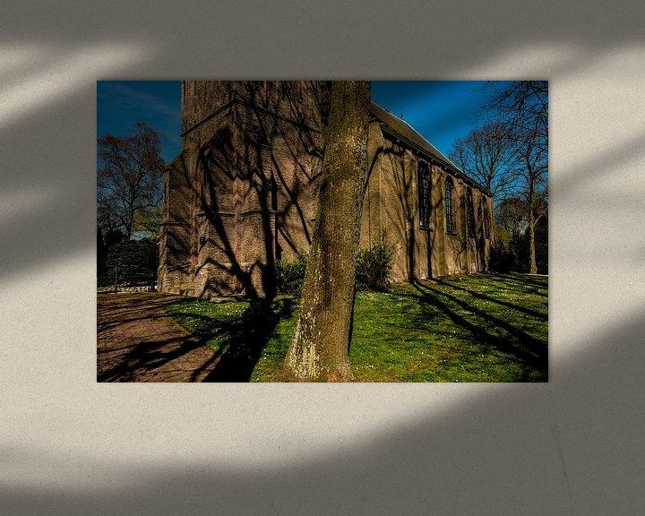 Sfeerimpressie: Schaduwen op een Kerk van Brian Morgan