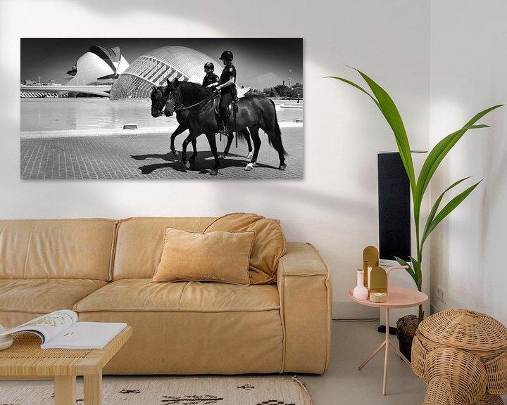 Sfeerimpressie: Modern World, Valencia (zwart-wit) van Rob Blok