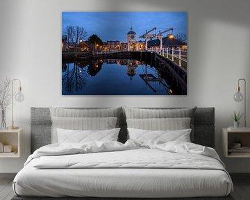 Het blauwe uurtje bij de Morspoort in Leiden van Dick Portegies