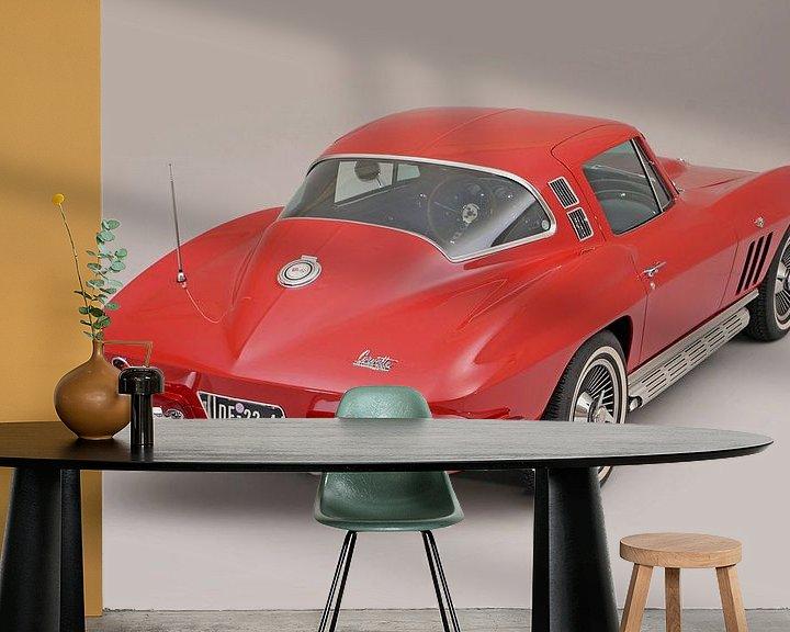Sfeerimpressie behang: Chevrolet Corvette C2 1964 van Willem van Holten
