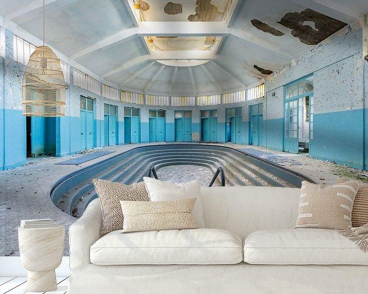 Sfeerimpressie behang: Verlaten zwembad van William Linders
