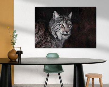 Serieuze lynx, oranje ogen grijs haar, van Michael Semenov
