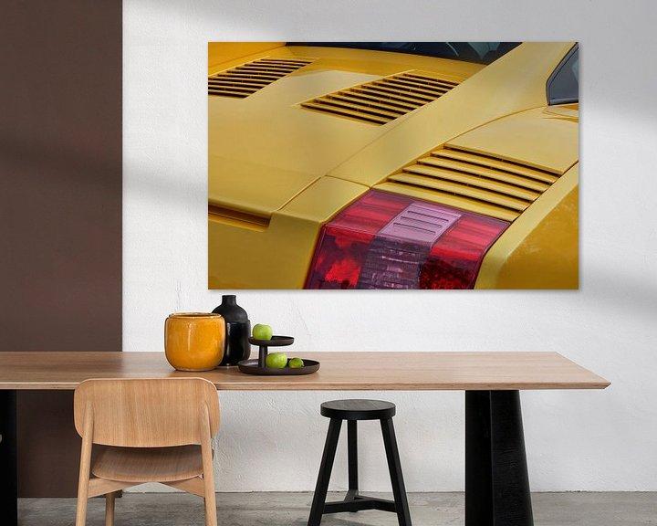 Sfeerimpressie: Close-up van een gele Lamborghini Gallardo. van Xander Verweij