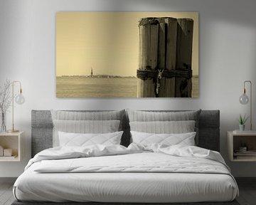 Vrijheidsbeeld vanaf westzijde kade ( New York City) van Marcel Kerdijk