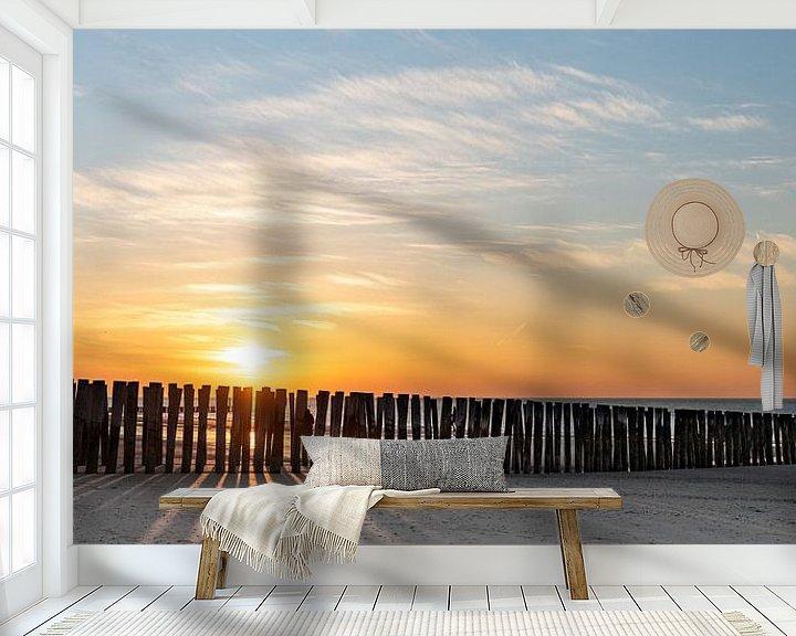 Sfeerimpressie behang: Strand bij ondergaande zon van Percy's fotografie