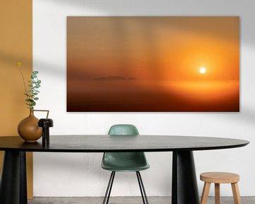 Opkomende zon op een mistige ochtend van Percy's fotografie