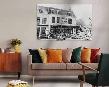 Café de Vriendschap mit Schnee bedeckt von Percy's fotografie