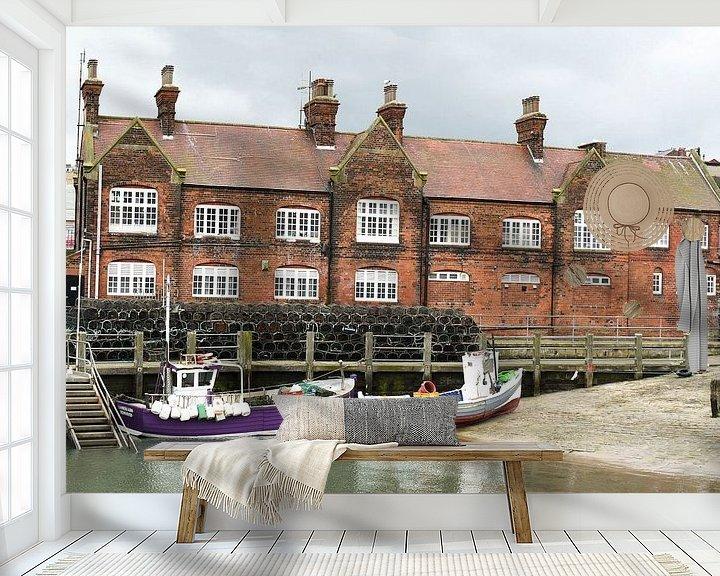 Sfeerimpressie behang: De haven van Scarborough I Vissersboten I Vintage van Floris Trapman