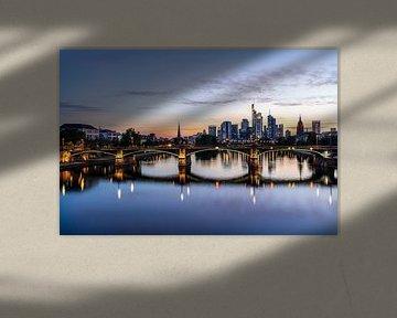 Skyline von Frankfurt am Main zum Sonnenuntergang von Marc-Sven Kirsch