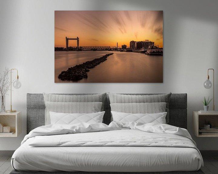 Sfeerimpressie: Zwijndrechtse Brug tussen Dordrecht en Zwijndrecht bij zonsondergang van Tux Photography