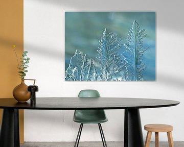 IJsblauw (IJsvormen in  petrol tinten) van Caroline Lichthart