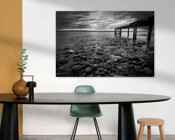 steiger aan de baltische zee in zwart-wit van Marc-Sven Kirsch