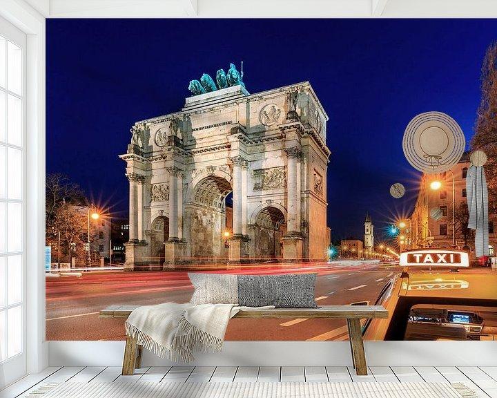 Sfeerimpressie behang: Siegestor München op blauw uur met taxi van Frank Herrmann