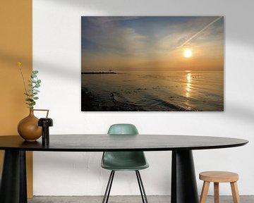 Sonnenaufgang mit Schiff von Inge Heathfield