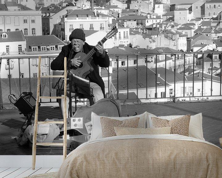 Sfeerimpressie behang: Blues in Lissabon van Inge Hogenbijl