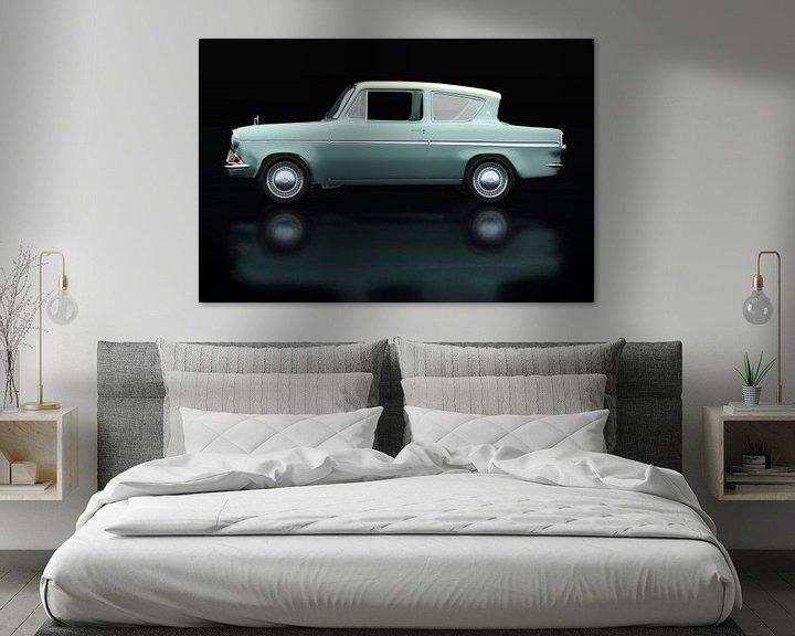 Sfeerimpressie: Ford Anglia 123E Deluxe Zijaanzicht van Jan Keteleer