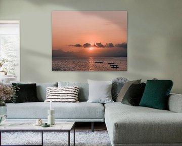 Zonsondergang en vulkaan van Jonai