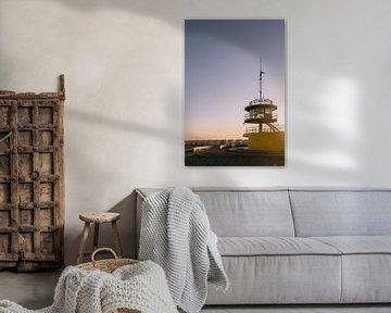 Sonnenaufgang am Strandhaus für Rettungsschwimmer an der Küste inKnokke-heist von Eveline Smolders