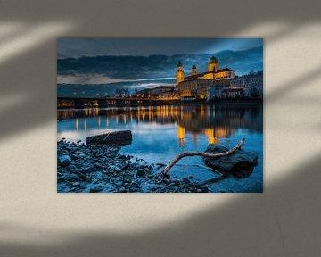 Zicht op de kathedraal van Passau in de avond van Animaflora PicsStock