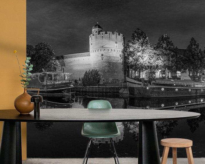 Sfeerimpressie behang: Panorama van de Thorbecke gracht in Zwolle in zwart wit van Fotografie Ronald