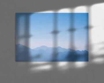 De blauwe bergen No.7 van Jesse Barendregt