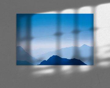 De blauwe bergen No.8 van Jesse Barendregt