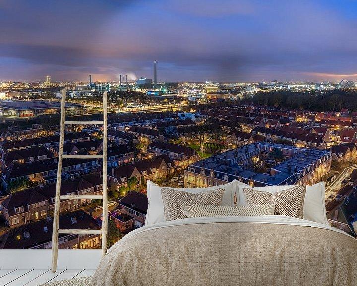 Sfeerimpressie behang: Stadsgezicht Utrecht blauwe uur ochtendschemer uitzicht watertoren Amsterdamsestraatweg van André Russcher