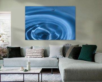 Textuur, achtergrond gemaakt met dompelende waterdruppel van Reiner Conrad
