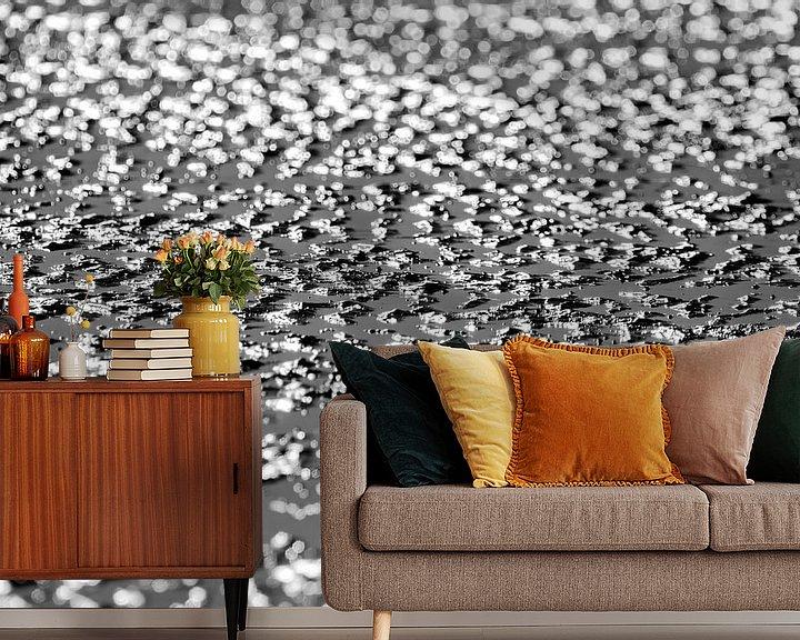 Sfeerimpressie behang: Sunny beach van Ilya Korzelius