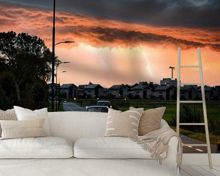 Sfeerimpressie behang: Kalmte voor de storm van Chris Koekenberg