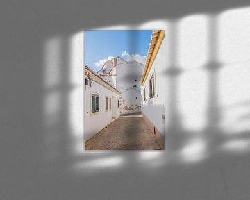 Weißes Dorf in Portugal von Bianca Kramer