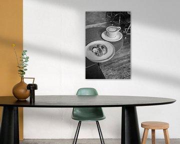 Schwarz-Weiß-Foto von Kaffee von Bianca Kramer